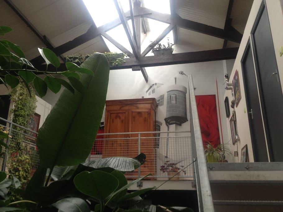 l'accès au 1er étage avec vue sur la verrière
