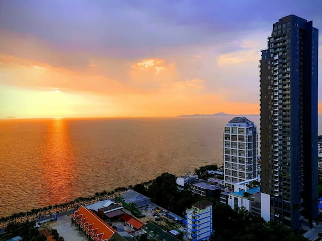 Beach Room Jomtien/Pattaya Sea View 10854
