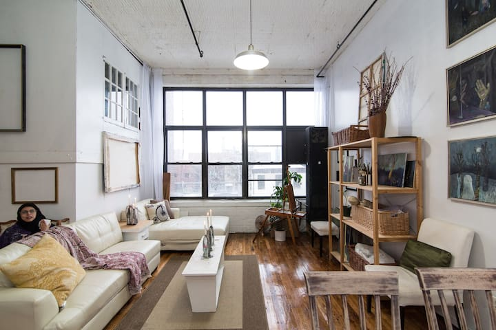 The Ladies Art Loft   Brooklyn   Loft. The Top 20 Lofts for Rent in New York   Airbnb  New York  United