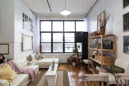 The Ladies Art Loft - Brooklyn - Loft