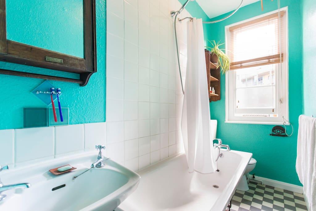 dinky bright bathroom