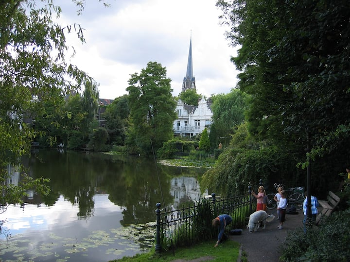 Sunny garden apt in Kralingen/R'dam
