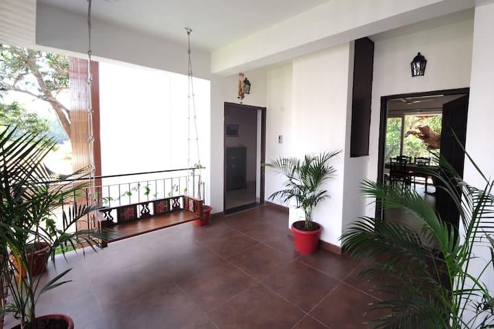 The Chimes 4 - Luxury 2 BR apartment - Siolim - Leilighet