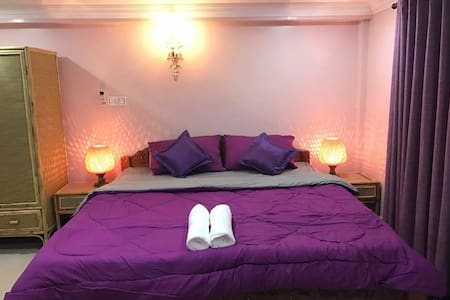 Private furnished room (free pick up) - Krong Battambang - Appartement
