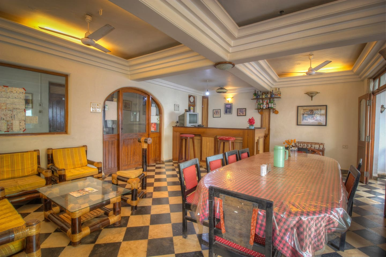 Restaurant cum Lobby