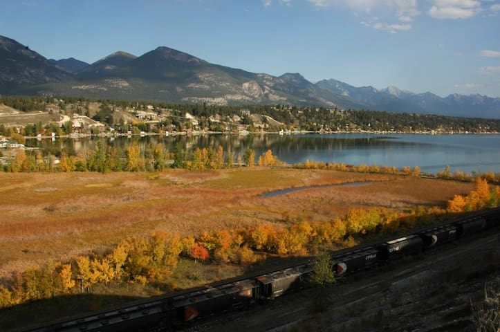 Beautiful Townhouse Dwntn Invermere - Invermere - Szeregowiec