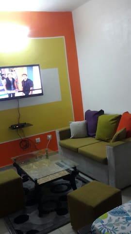 Beau studio meublé à yopougon - Abidjan