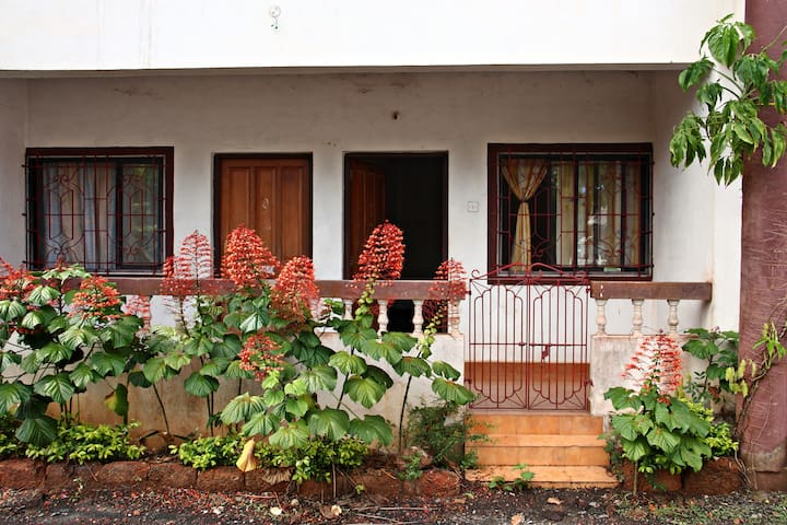 Furnished home - Siolim North Goa - RIVER SIDE - Siolim - Apartamento