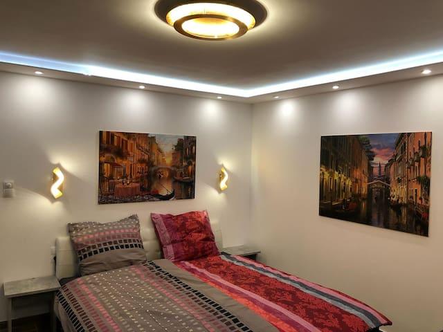 Moderne Wohnung mitten im Herzen Ottensen. WG 1