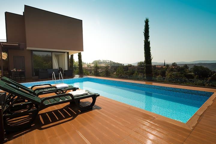 Casa moderna com piscina - Vizela
