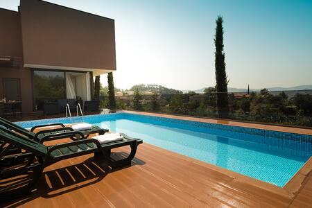 Casa moderna com piscina - Vizela - Dům