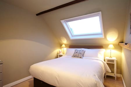 Room Name: Fiat @ Fantinos - Sowerby - Bed & Breakfast
