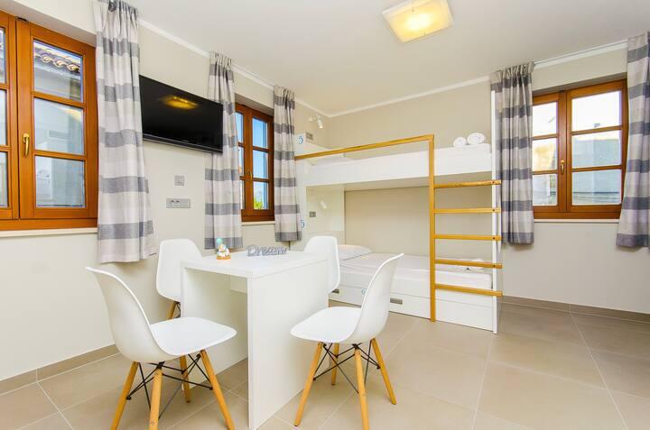 hostel Dvor - bed in six bedded room O1