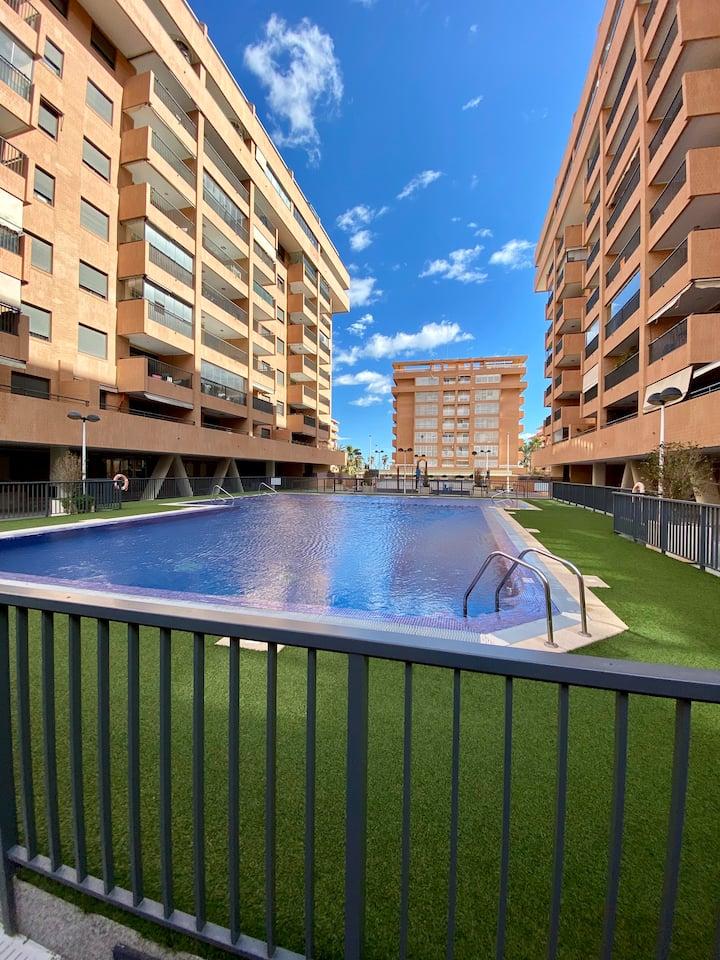 Apartamento playa la Patacona con terraza (6camas)