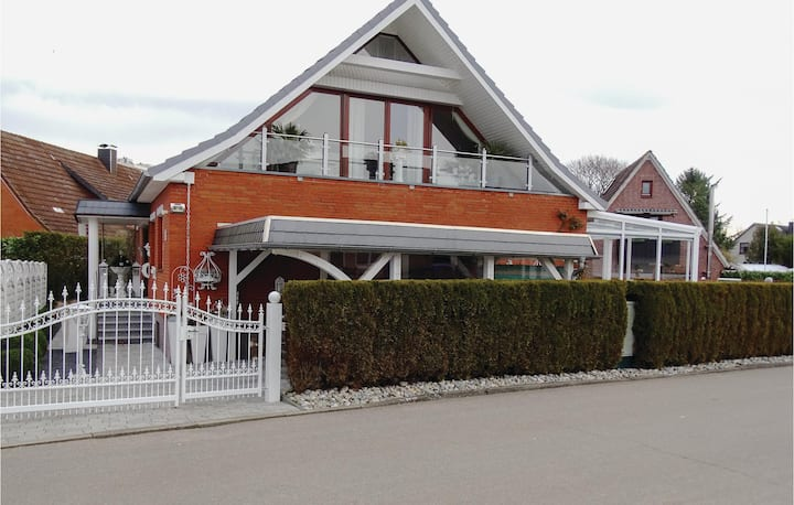 Holiday apartment with 1 bedroom on 70m² in Wendtorfer Strand