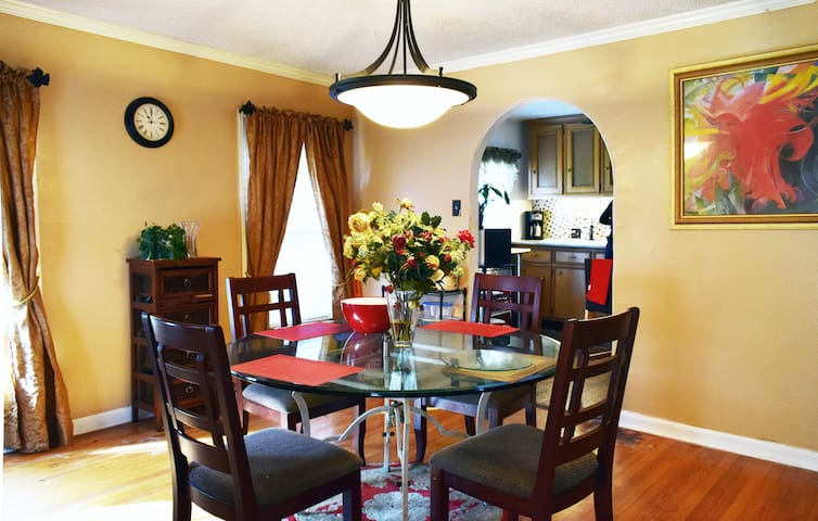 Grad/Med/Law Students - Rent in Historic Riverside