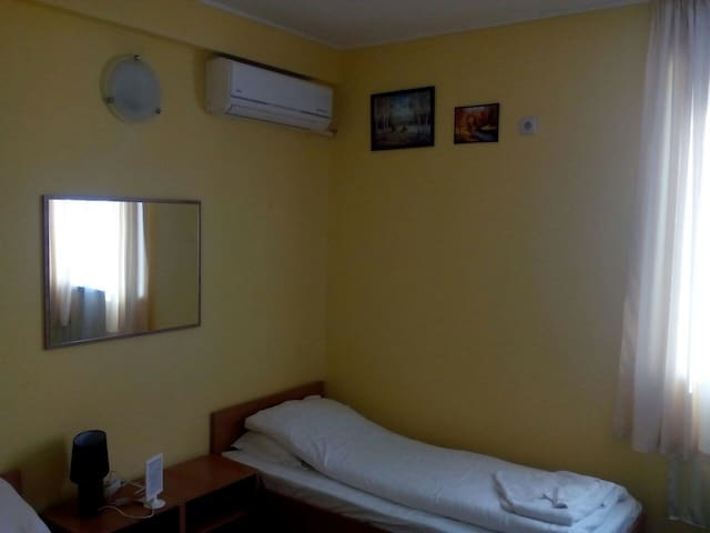 Room5 in AVEL Guesthouse, Airport