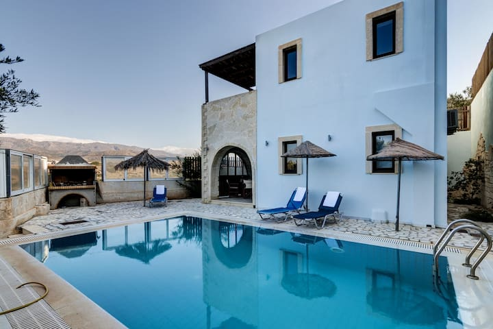 Holiday villa, great sea, mountain view