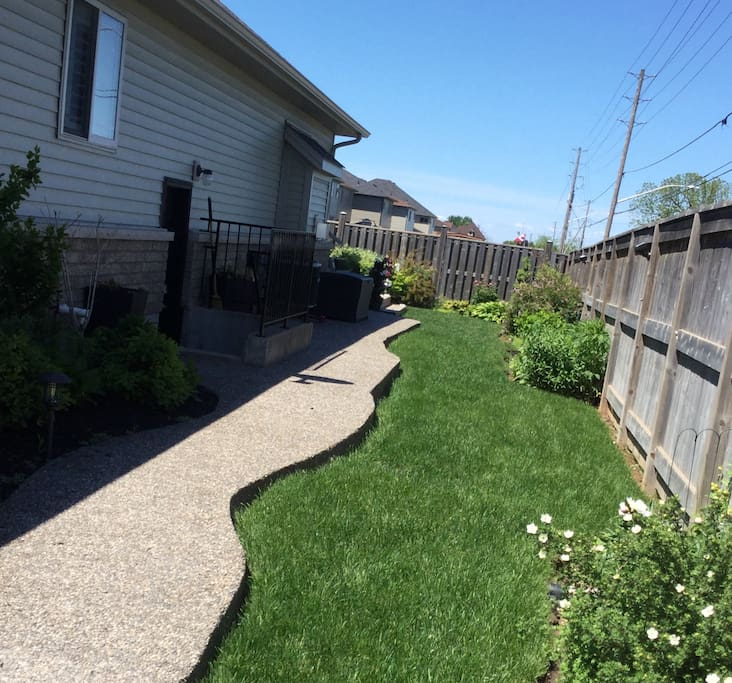 Niagara Wine Country Bungalows For Rent In Lincoln