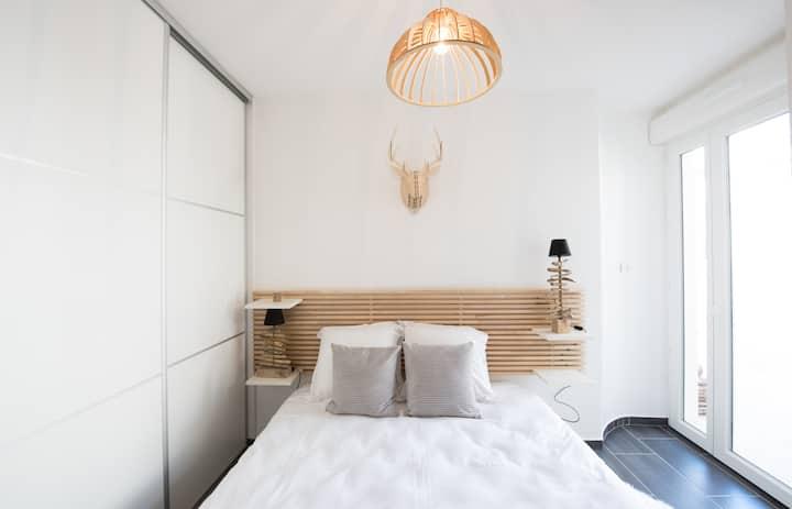 Le Hirvi - beautiful renovated & zen apartment close to Vieux Lyon