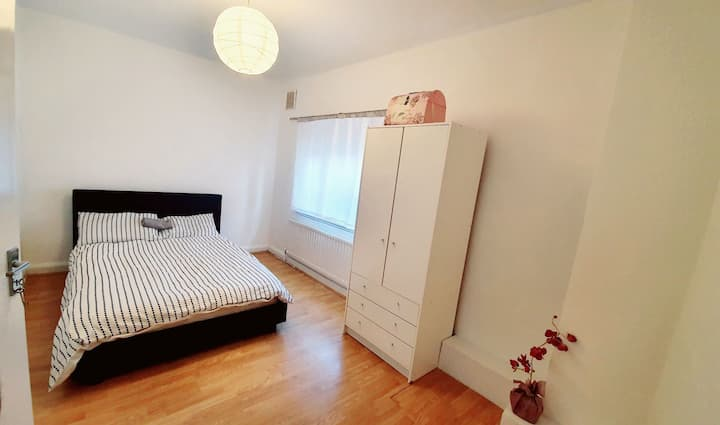 Spacious double room close to Eltham high street