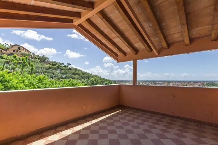 """Appartamento """"Bellavista"""" collina Forte dei Marmi"""