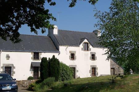 Nicely restored breton longère-style farmhouse - Moustoir-Ac - Casa