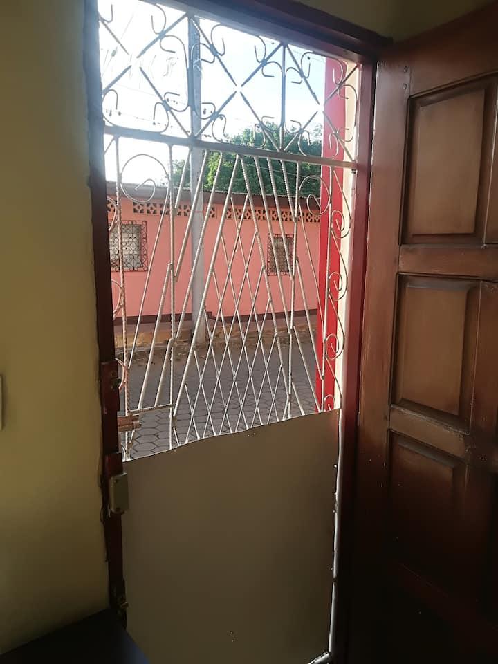 Ticuantepe, segura, frente a policia