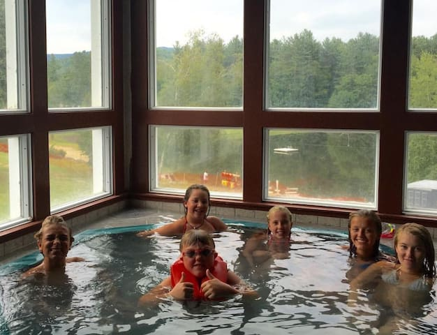 Waterville Retreat-views,pools,ski - Campton - Haus