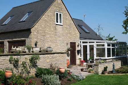 Avon Lodge Bed and Breakfast 1 - Chippenham