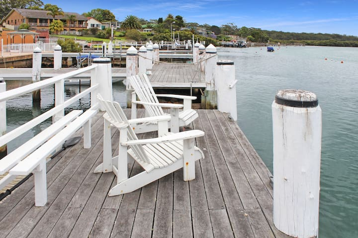 Boathouse, Huskisson-Pay for 2, Stay for 3 Nights!