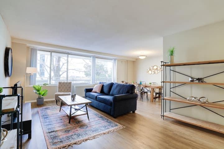 Luxury 2 bd 2 bt apartment at DC metro area