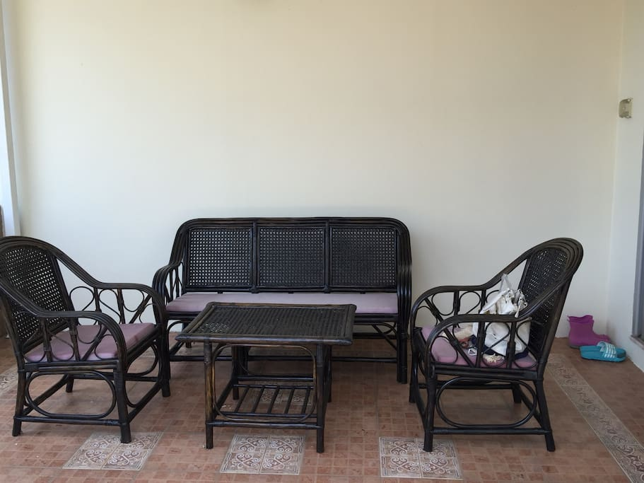 Outdoor seating in portico