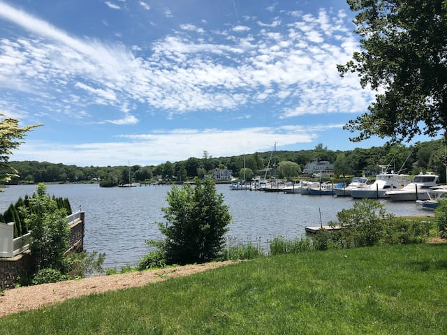 Beautiful Essex CT - Close to Beaches & Boating