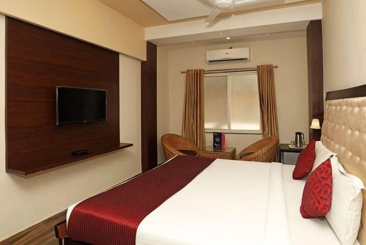 Hotel Taldar Inn : Deluxe Double Bed Room Ac