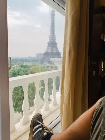Luxury apartment in front of Eiffel Tower Monument