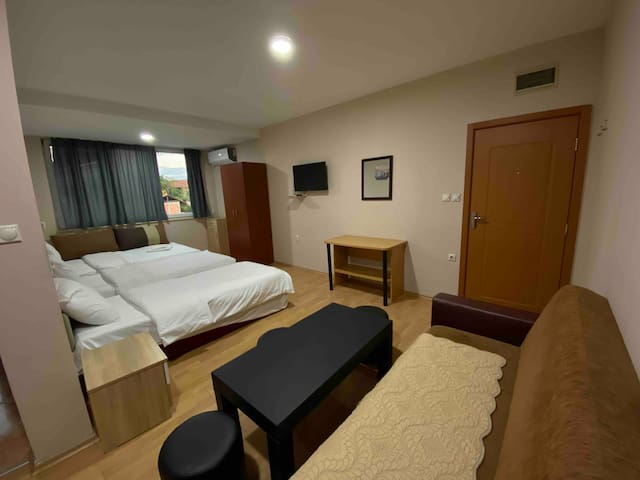 Perfect room.Bazaar 5 min walk Centre is 10 min.