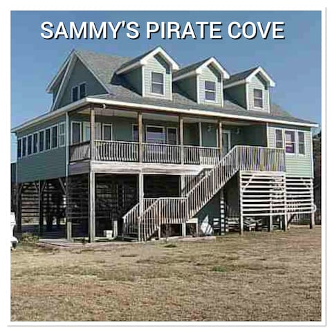 Sammy's Pirate Cove w/ private pool - Buxton - Ev