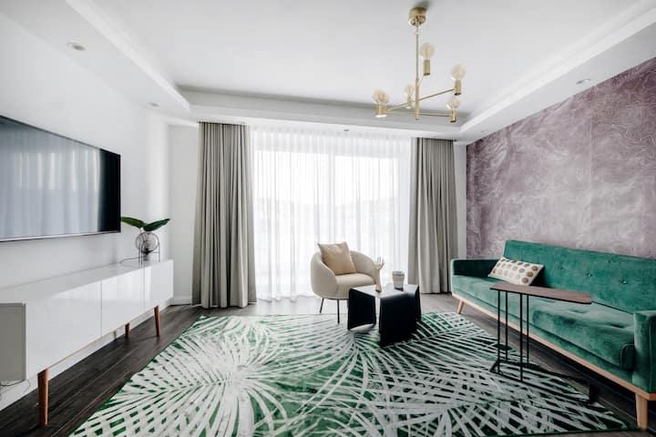 Million Sunsets Luxury Apartment 5