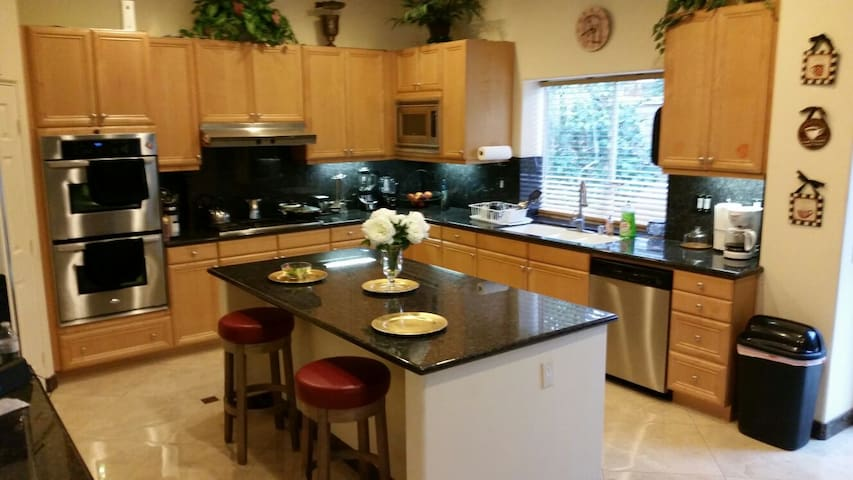 luxurious house with pool spa!!! - Palm Desert - House