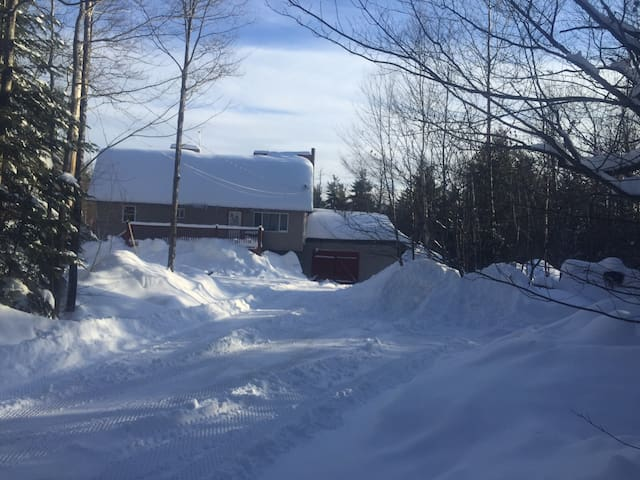 Fully Furnished Home Snowmobiling - Monson
