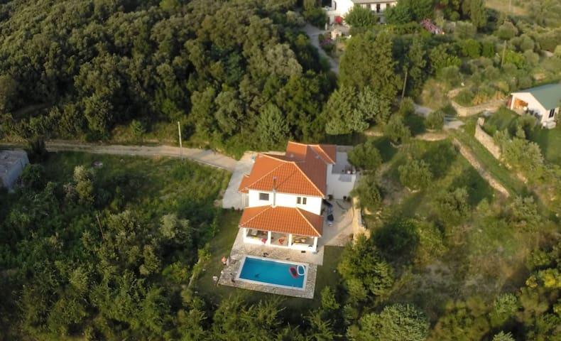 Ferienhaus mit Pool für 6 -8 Pers. - Kampor - Huis