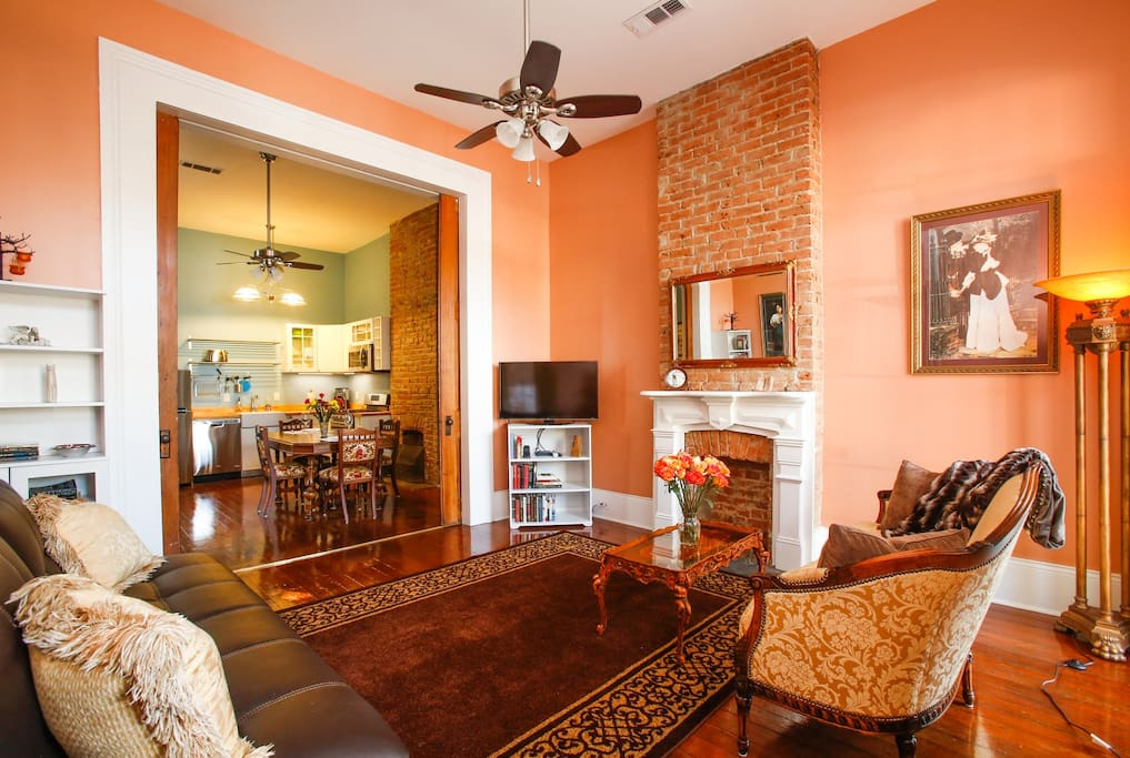 Camelback guesthouse apt 1 1 bedroom apartments for - One bedroom apartments in new orleans ...