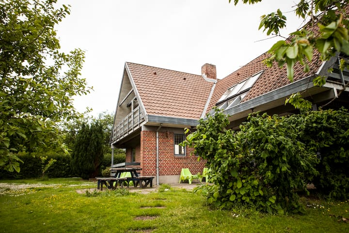 Large private house. Garden&Forrest - Hammel - Villa