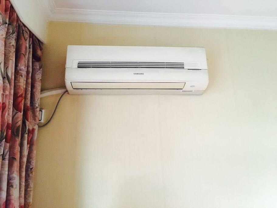 有空调,AC for the room, 24 小时可用的空调!