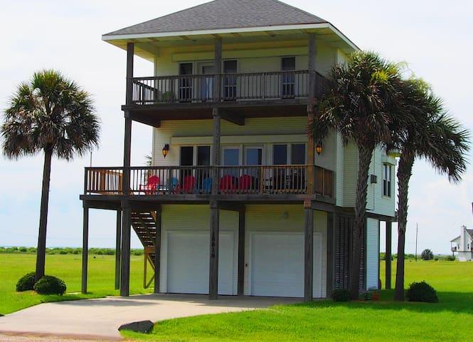 Beach & Bay Views ~ Steps to Beach! - Galveston - Casa