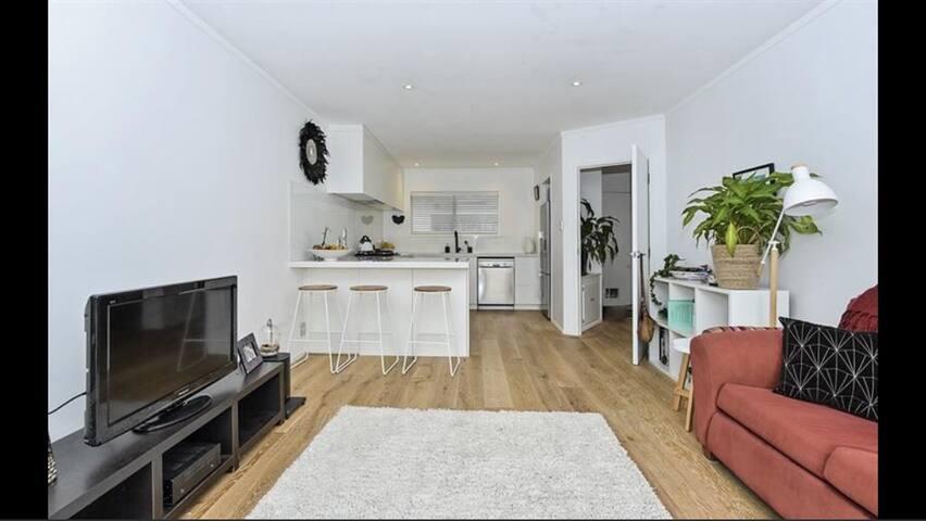 Bright, sunny private room in modern home
