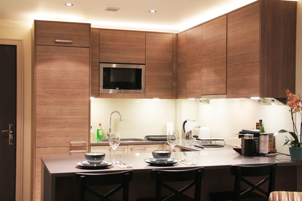 Modern and well equipped spacious kitchen.