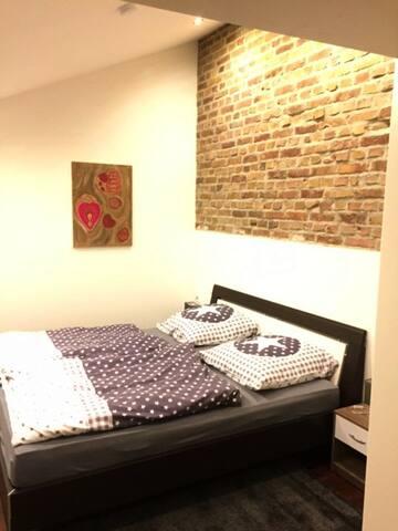 Loftähnlich Wohnung köln 10 Minuten - Bornheim - Apartment
