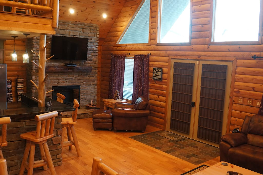 Sacred Winds Yatesville Lake Luxury Cabin Rental
